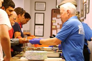 Serving_food
